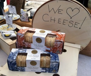 Cheese makers offer customers free tasters of all cheeses before they buy (Photo by Stephanie V. Coleman).