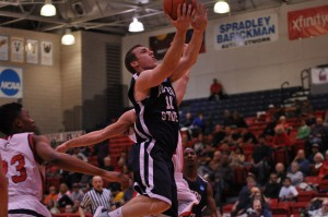 UP AND IN - Junior Guard Mitch McCarron looks to lead his Roadrunners squad to a Championship. [Photo Courtesy of Metro State Athletics]
